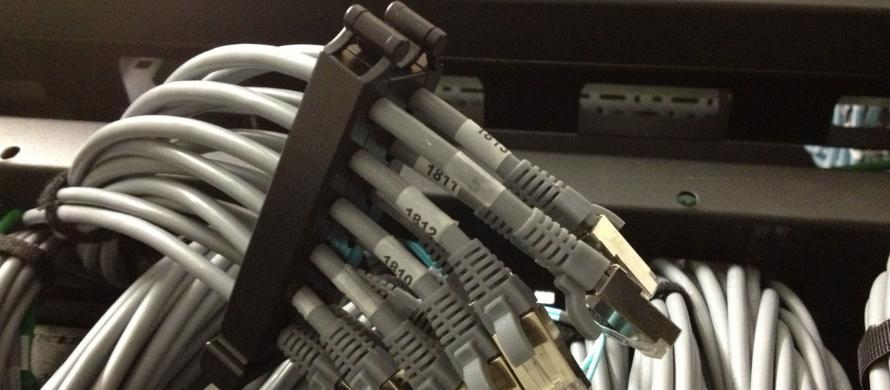 انواع برندهای تولید کننده نگهدارنده کابل شبکه